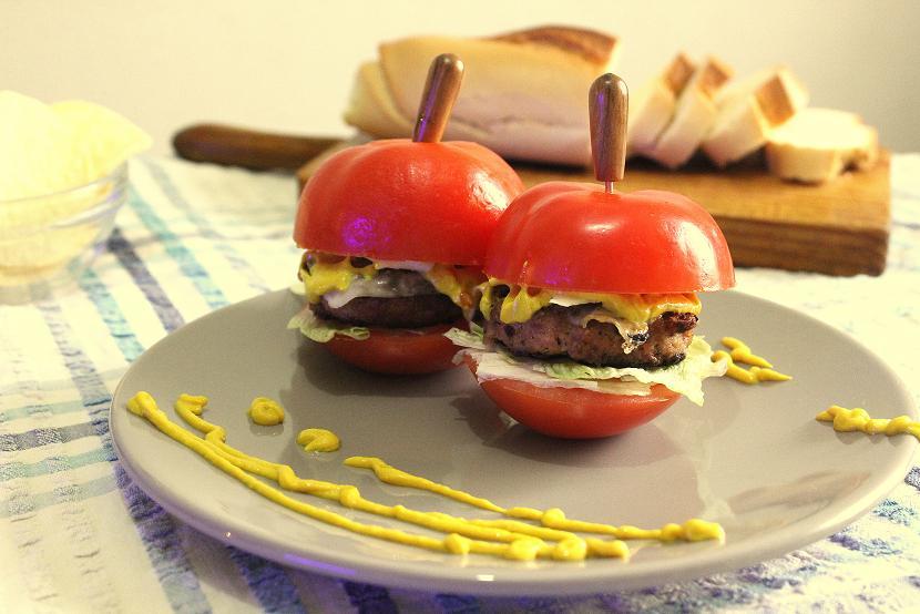 tapa hamburguesa tomate